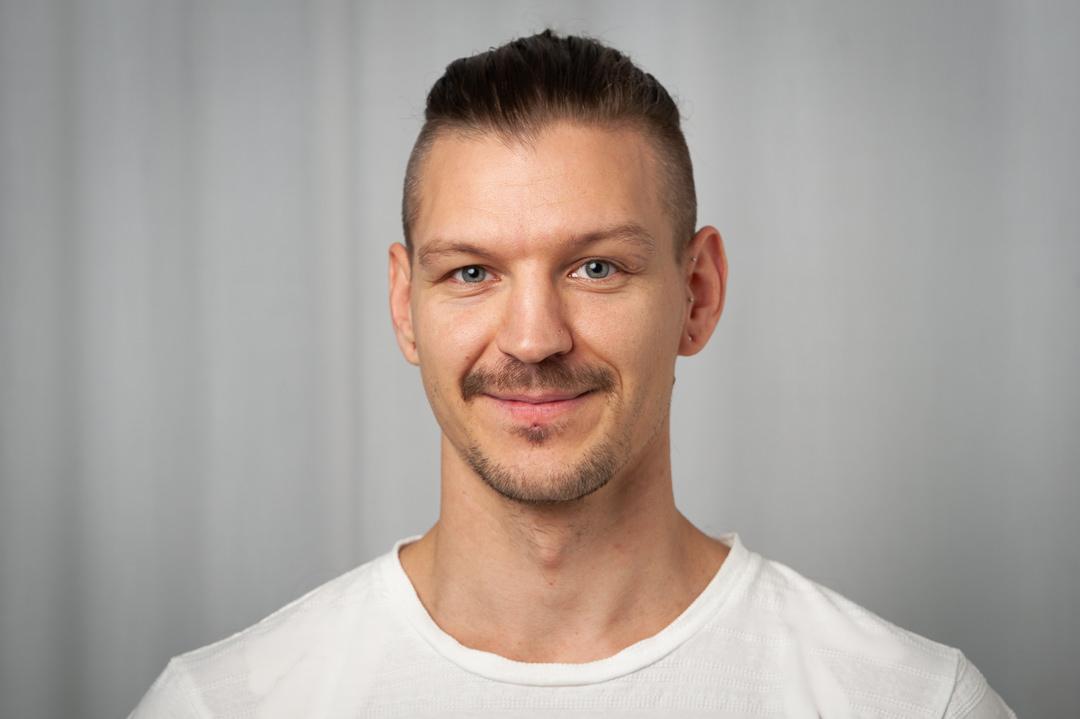 Simon Kriisin, massör på Human Touch Body and Brain